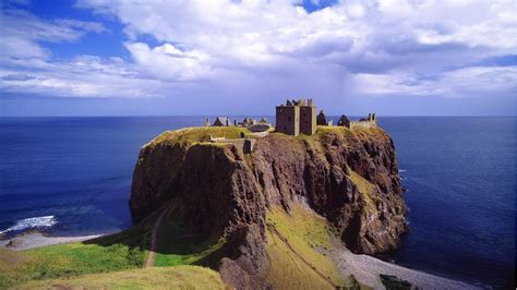 Beautiful Dunnottar Castle in Scotland Image | HD Wallpapers