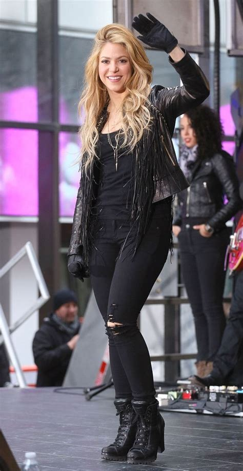Shakira Style | height and weights