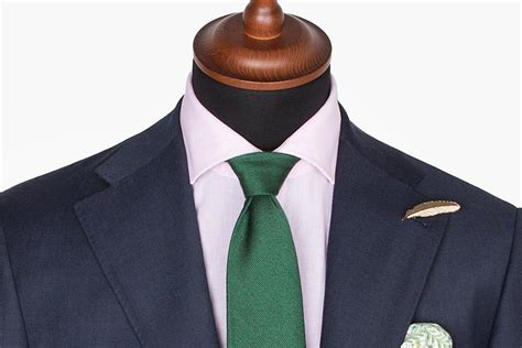 Don't Ever Wear a Double Windsor Knot
