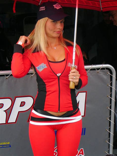SHOCKING!! 22 Grid Girls In Tight Spandex The Images F1