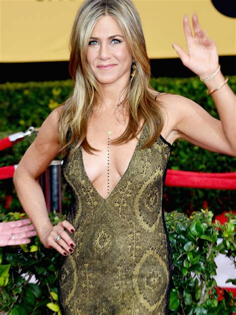 See Jennifer Aniston's Cleavage-Baring Gown at the SAG