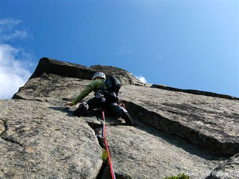 Forsida (The Outside Route) : Climbing, Hiking