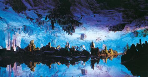 Guilin: Reed Flute Cave and Elephant Trunk Hill Tour